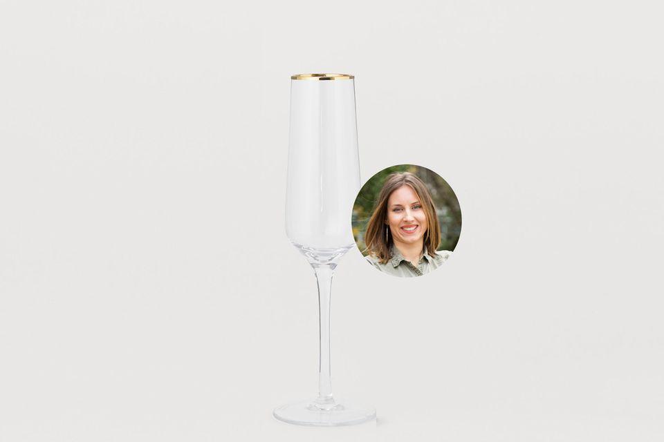Einen Grund zum Anstoßen hat man doch eigentlich immer oder? Kollegin Lara testet Champagner-Gläser.
