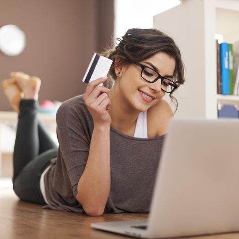 junge Frau, Laptop, Shopping