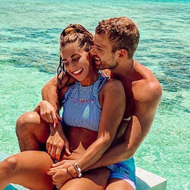 Liebesglück im Paradies: Zusammen mit ihren Liebsten Sohn Alessio und Freund Julian Büscher verbringt Sarah Lombardi derzeit ein paar traumhafte Tage auf den Malediven. Wirklich zum neidisch werden schön.