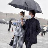 Natalia Vodianova und Antoine Arnault sind frisch verheiratet. Auf dem Weg zur Show von Dior geben sie ein tolles Bild ab.