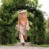 Die Looks der Spring/Summer-Show von Kenzo finden ihre Inspiration in der Natur - auch die Show findet im Grünen statt.