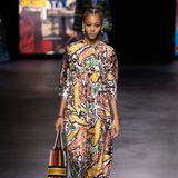 Maria Grazia Chiuri, Kreativdirektorin von Dior, setzt für die kommende Saison auf bunten Mustermix und Prints.