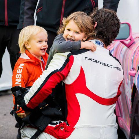 Papa Carl Philipist nämlich nicht nur der schnellste Royal weit und breit, sondern auch der beste Vater für seine kleinen Prinzen.