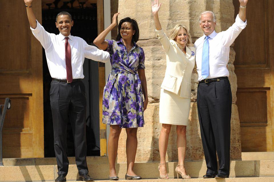 BarackObama, Michelle Obama, Dr. Jill Biden und Joe Biden (v.l.n.r.) bei einem Auftritt inSpringfield, Illinois, im August 2008.
