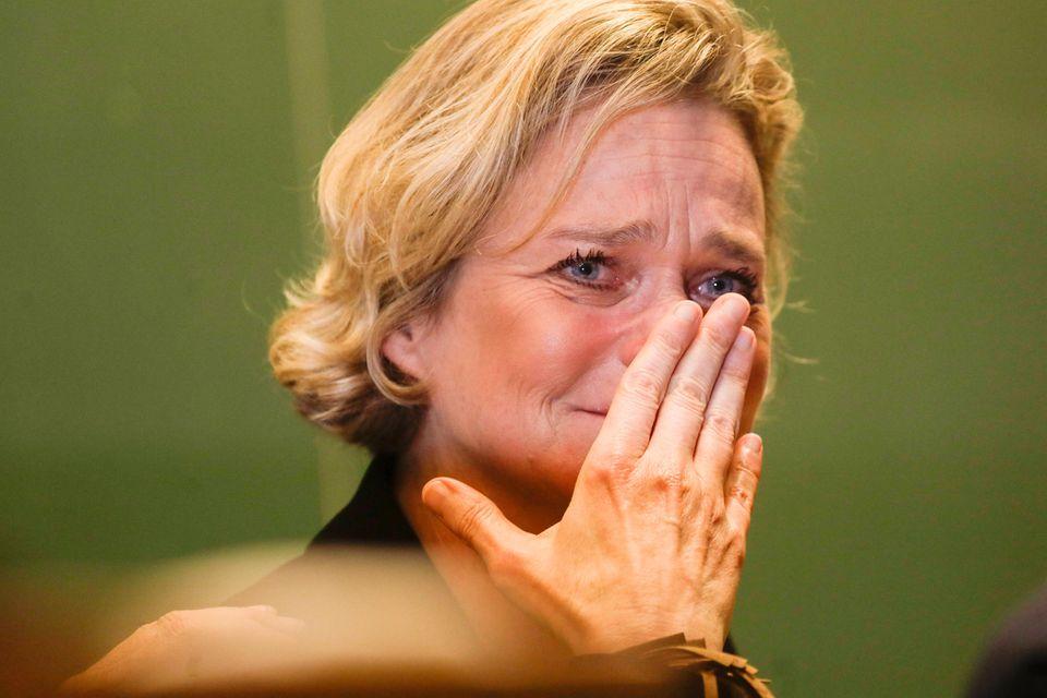 DelphineBoël kann ihre Emotionen nicht zurückhalten.
