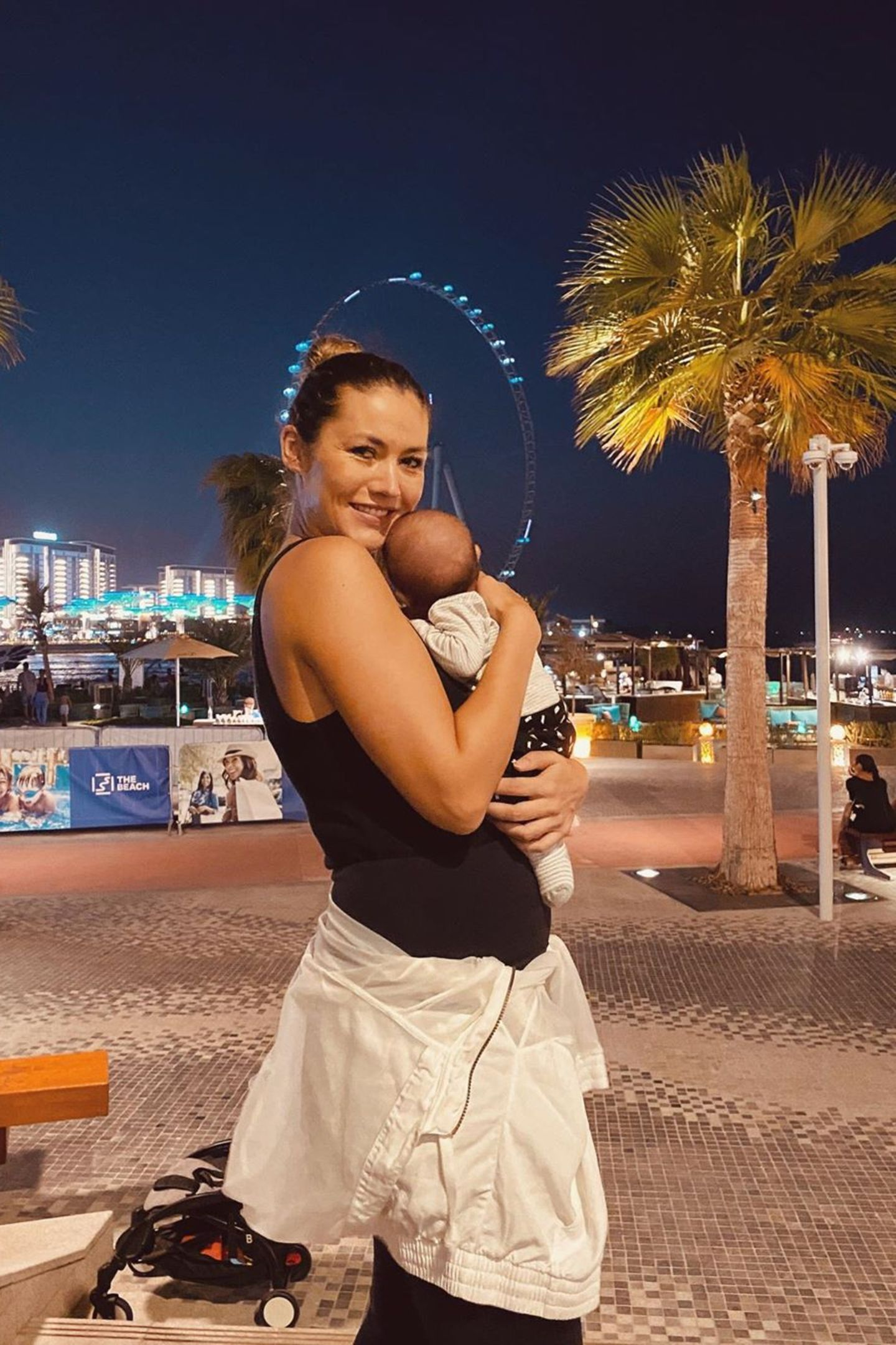 25. September 2020  Auch sie ist gekommen, um zu bleiben: Für Fiona Erdmann bedeutet Dubai nicht nur neues Lebensglück, sie wurde hier auch mit dem wohl schönsten Geschenk überhaupt beglückt - ihrem Sohn.