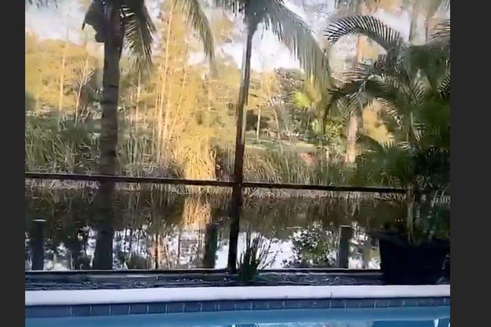Laura Müller meldet sich mit einem kurzen Video vom Pool in ihrem Zuhause in Florida auf Instagram zurück.