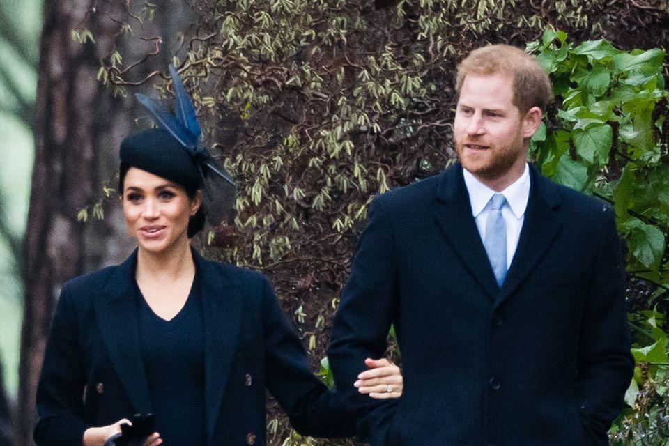 Herzogin Meghan und Prinz Harry am ersten Weihnachtsfeiertag 2018 auf dem Weg zurSt Mary Magdalene Church in Sandringham.