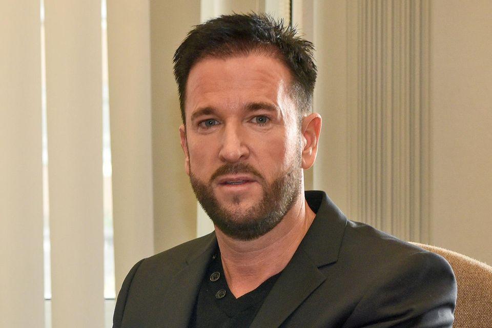 Michael Wendler bei einem Prozessam 26.10.2016 im Landgericht in Köln. Damals will der Sänger vor Gericht 230.000 Euro Schadenersatz wegen eines Sturzes bei den Dreharbeiten für das RTL-Sommer-Dschungelcamp erstreiten.