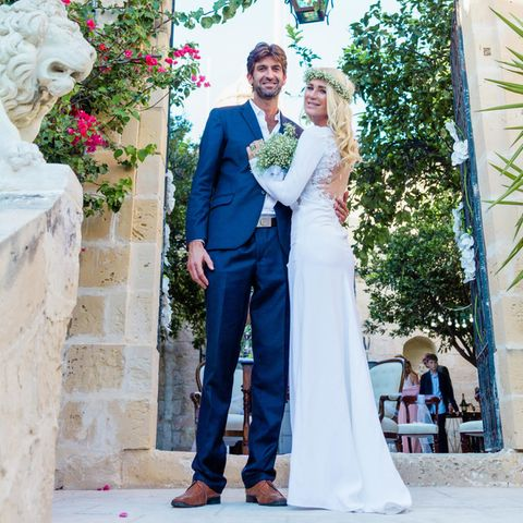 Frisch verheiratet: Matthew Cardona und Sarah Kern. Alle Exklusiv-Fotos der Hochzeitsehen Sie in der neuen Ausgabe der GALA (abDonnerstag, 15. Oktober im Handel).