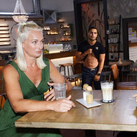 Maren (Eva Mona Rodekirchen, l.), Nihat (Timur Ülker), Lilly (Iris Mareike Steen)