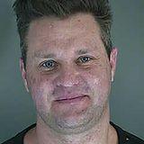"""Zachery Ty Bryan  Der """"Hör mal, wer da hämmert""""-Star Zachery Ty Bryan befindet sich Polizeigewahrsam. Wie """"TMZ"""" berichtet, soll der frühere Kinderstarangeblich seine Freundin gewürgt habenund wird in Oregon verhaftet."""