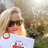 Reese Witherspoon hat auch schon gewählt, und dass sie dieses Recht ausüben kann, fühlt sich für sie ziemlich gut an.