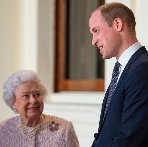 Queen Elizabeth + Prinz William
