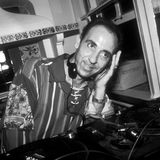 18. Oktober 2020: José Padilla (64 Jahre)  Als DJ im berühmten Café Del Mar auf Ibiza und als Produzent dergleichnamigen Chillout-Compilationswurde der barcelonische Musiker Mitteder Neunziger Jahre weltberühmt. Er erlag nun seinem Darmkrebsleiden, dass er erst im Sommer 2020 öffentlich gemacht hatte.