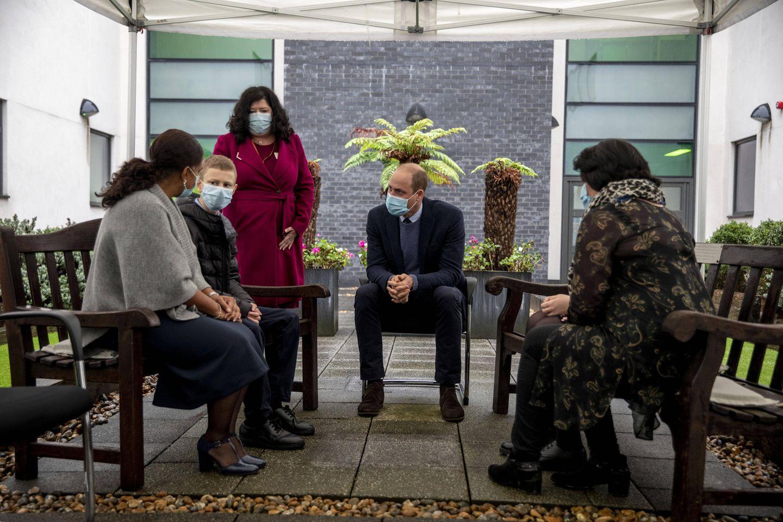 21. Oktober 2020  Prinz William ist zu Gast in Sutton, genauer gesagt: imRoyal Marsden Hospital, einem derweltweit führenden Krebszentren. In kleiner Runde erfährt William von Patienten,wie klinische Studien im Royal Marsden ihr Leben verändert haben und, wie es ihnen in der Coronapandemie ergangen ist.