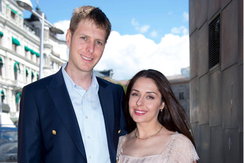Prinz Leka und seine Ehefrau Prinzessin Elia haben eine Familie gegründet.