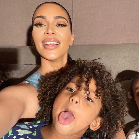 Kim Kardashian mit ihren KindernNorth West,Chicago West,Psalm West,Saint West