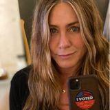 """Und der """"I voted""""-Sticker darf für Jen natürlich auch nicht fehlen."""