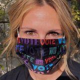 Masken-Selfie mit Message: So ruft Julia Roberts ihre Instagram-Fans zur Wahl auf.