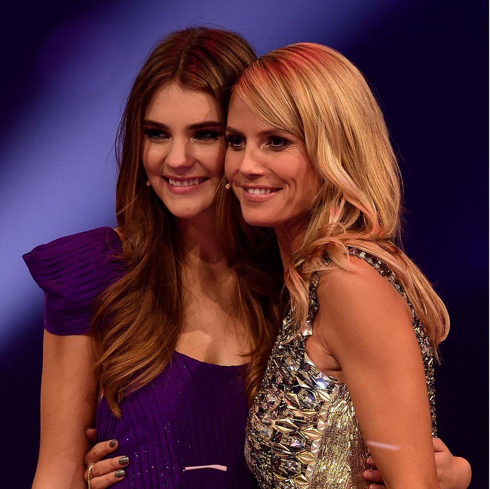 "Stefanie Giesinger und Heidi Klum beim ""Germany's Next Topmodel""-Finale im Mai 2014."