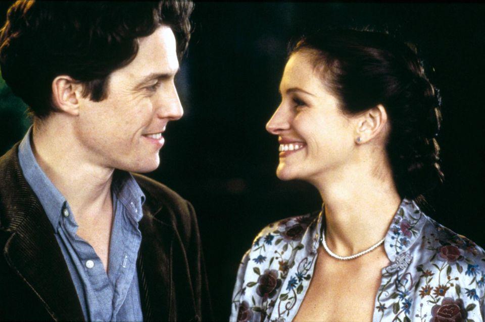 "Hugh Grant undJulia Roberts in ""Notting Hill"" (1999)."