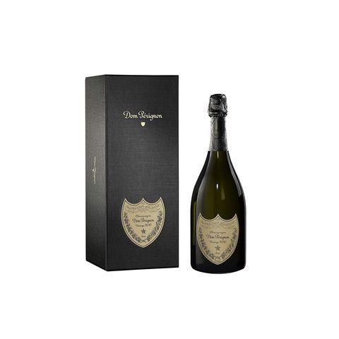 """HochgenussBesondere Anlässe erfordern auch besondere Getränke. Wer im krisengebeutelten Jahr 2020 etwas zu feiern hat, kann mit diesem edlen Tropfen festlich anstoßen. """"Vintage Champagner 2010"""" von Dom Pérignon, ca. 170 Euro"""