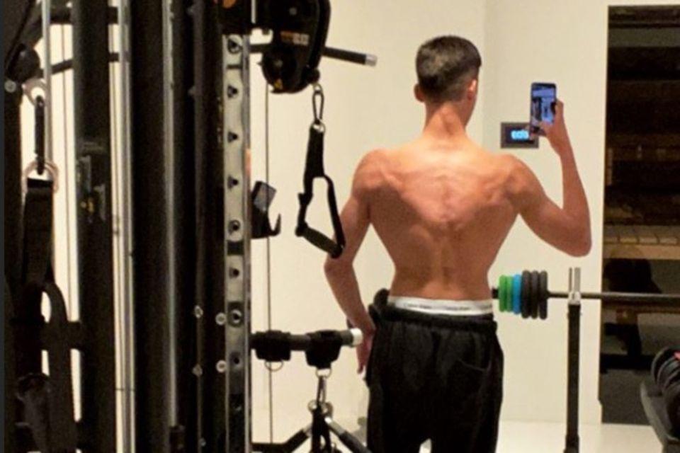 San Diego Pooth zeigt auf Instagram regelmäßig seinen trainierten Körper.