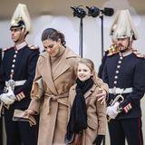 Was die Öffentlichkeit zu diesem Zeitpunkt nicht weiß: Der Bruder von Königin Silvia - und damit Victorias Onkel - ist zwei Tage zuvor im Alter von 86 Jahren gestorben. Der Hof wird dies am Donnerstag, den 29. Oktober, bekanntgeben.