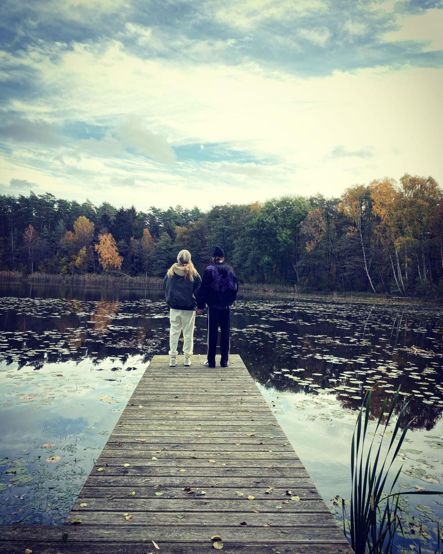 Romantische Herbstbilder am Steg sind für Heidi Klum genau richtig, um ihrem Tom zu sagen, dass sie ihn liebt.