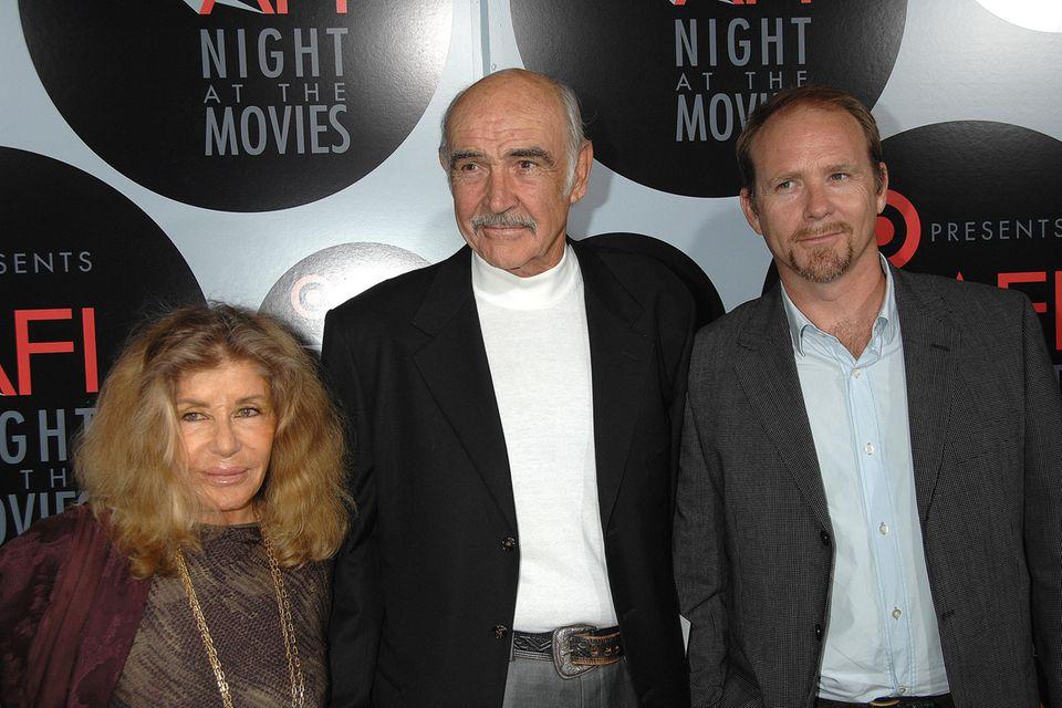Sean Connery mit seiner Frau Micheline Roquebrune und seinem SohnJason Connery im Jahr 2008