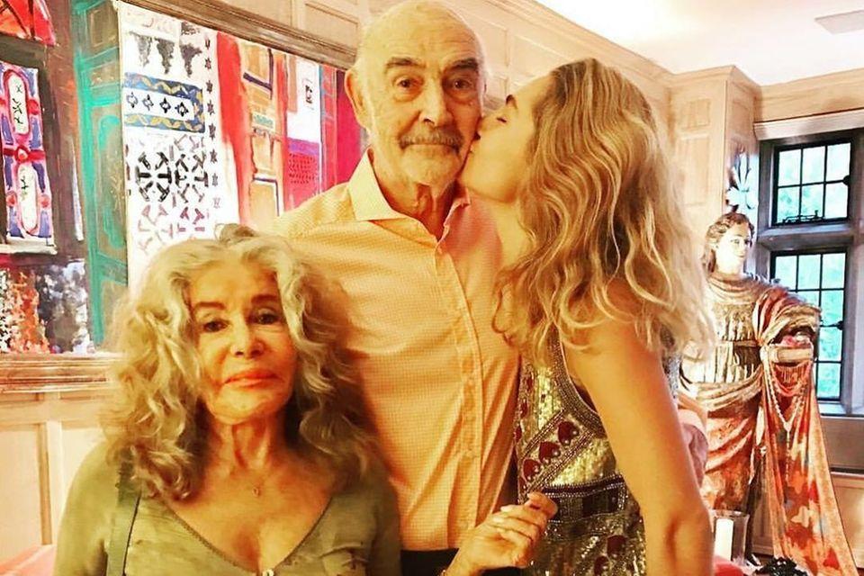 Sean Connery mit Ehefrau Micheline Roquebrune und Enkelin Saskia Connery