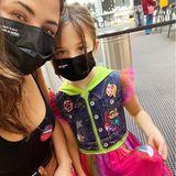 """Zusammen mit Tochter Eevie verlässt Jenna Dewan das Wahllokal. """"Ich hoffe, wir bringen diesem Land wieder Heilung, Gleichberechtigung und Vereinigung"""", schreibt sie dazu auf Instagram."""