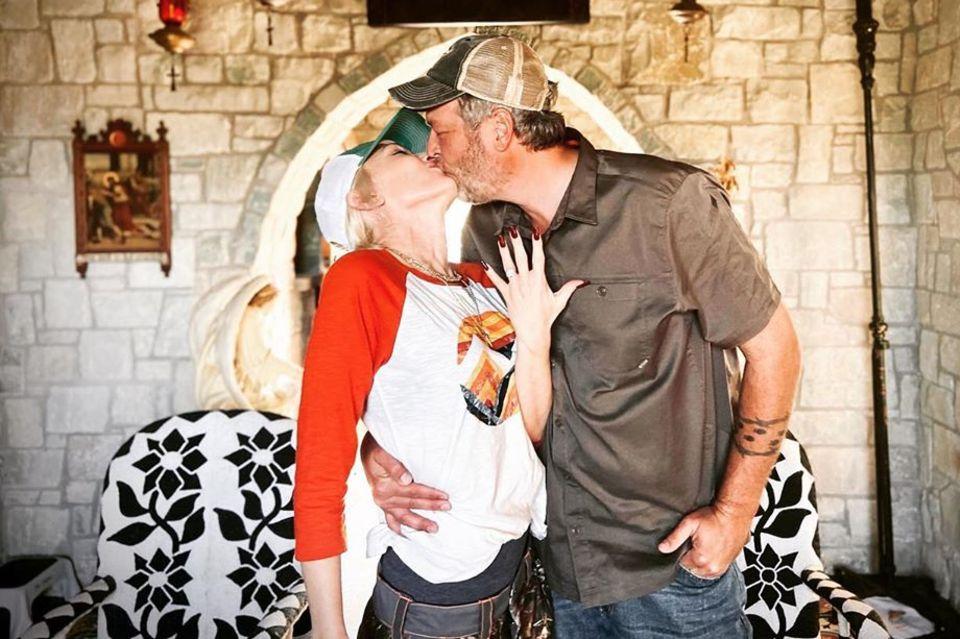Gwen Stefani und Blake Shelton machten ihre Verlobung am 27. Oktober 2020 öffentlich.