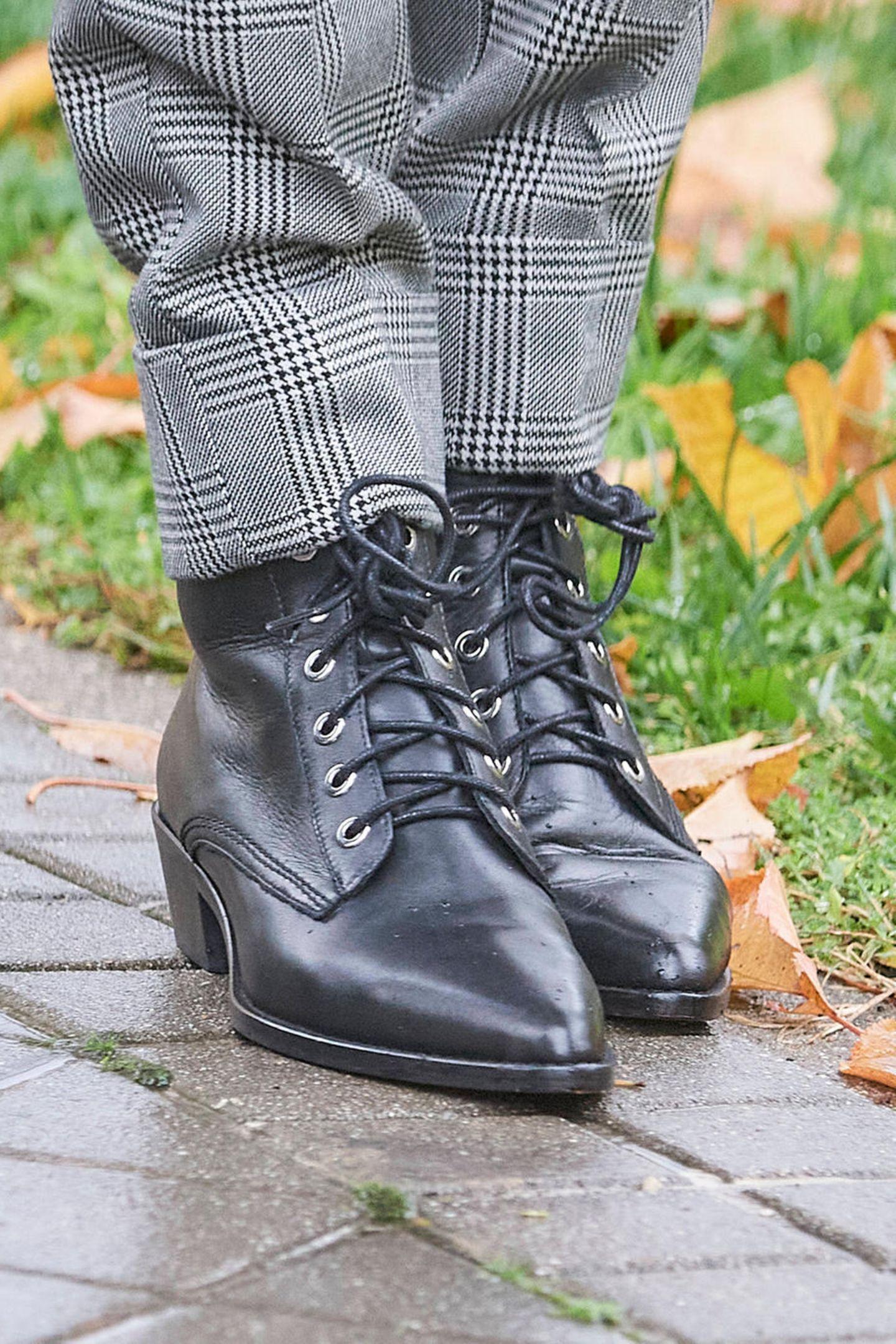 Königin Letizia trägt Schuhe von Uterqüe