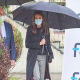 Königin Letizia mit XXL-Schirm