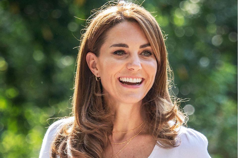 Föhnfrisur: Herzogin Catherine trägt ihre Haare in leichten Wellen