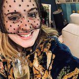 Einen weiteren Einblick in Adeles Zuhause gibt es anlässlich von Herzogin Meghans und Prinz Harrys Hochzeit im Mai 2018. Auf dem Tisch steht ein Lautsprecher-Gerät von Amazonund an der Wand hängteine Aufgabentabelle, unterteilt in Wochentagen, für ihren Sohn Angelo. Als Belohnung erhält der 8-Jährige einen Stern - was für eine süße Idee.