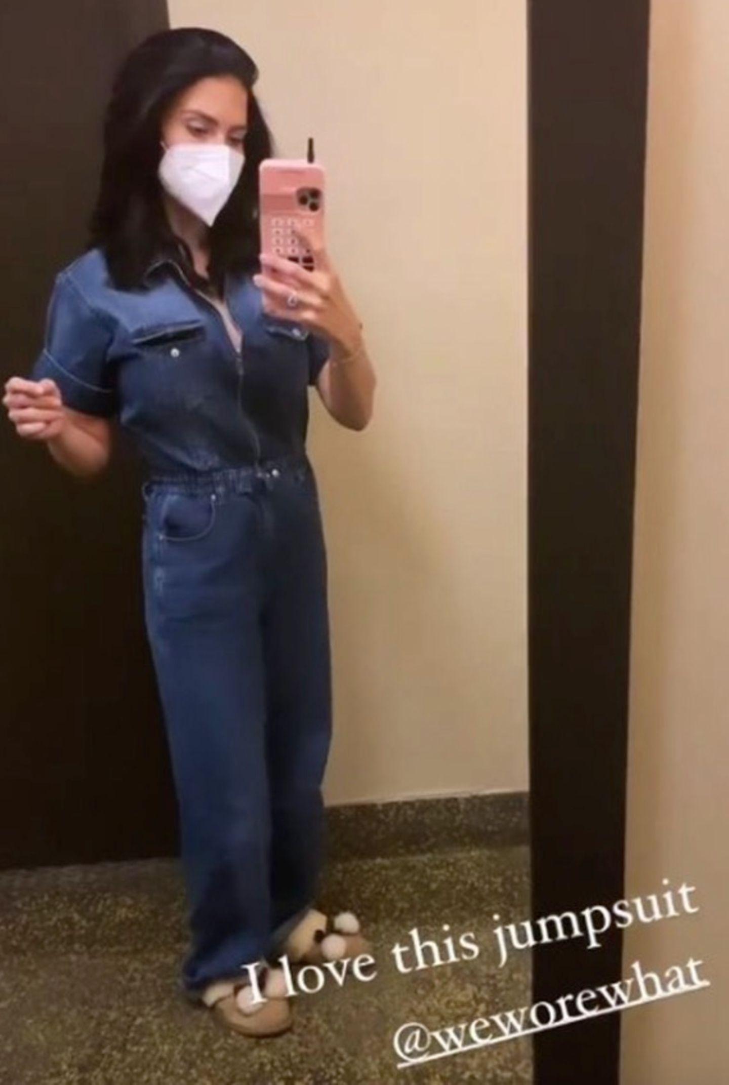 ... überrascht uns die 36-Jährige mit dieser Aufnahme: In einem Jeans-Overall präsentiert Hilaria ihre schmale Taille - zwei Monate (!) nach der Geburt. Ihr Workout seien ihre Kids, verriet die Fünffach-Mama auf Instagram.