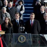 20. Januar 2009  Ganz stolz stehen Tochter Ashley, und die Söhne Hunter und Beau († 2015) neben ihrem Vater, als dieser zum neuen Vizepräsidenten neben Barack Obama inWashington, DC. feierlich eingeschworen wird