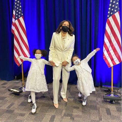 Kamala Harris mit ihren Großnichten