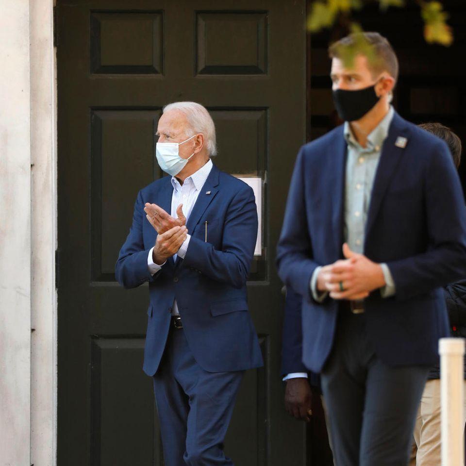 Joe Biden verlässt am 8. November2020 dieBrandywine Roman Catholic Church.