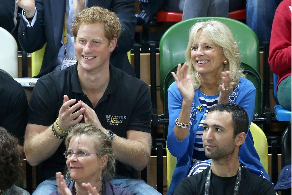 """Auf die """"Invictus Games"""" ist Prinz Harry besonders stolz. Als sie im September 2014 in London Premiere feiern, kommt Jill Biden persönlich vorbei."""