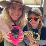 """Gemeinsam mit ihrer Tochter India Rose besucht Elsa Pataky die """"Aussie Ark""""-Tierschutzorganisation, um mehr über die australische Tierwelt zu erfahren. Wie zum Beispiel den TasmanischenTeufel."""