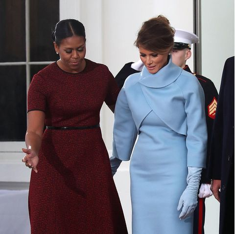 Michelle Obama und Melania Trump am 20. Januar 2017 vor dem Weißen Haus. Es ist der Tag der Machtübergabe Barack Obamas an seinen Nachfolger.