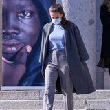 Königin Letizia recycelt ihre Hose von Massimo Dutti
