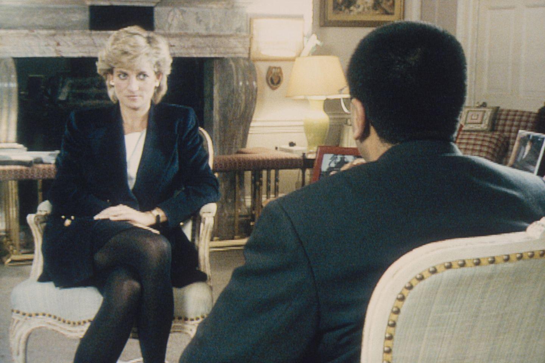 Prinzessin Diana und Martin Bashir bei ihrem Gespräch am 20. November 1995 im Kensington Palast.