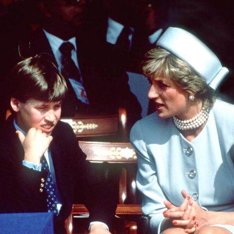 Prinz William wird 1995 von seiner Mutter Prinzessin Diana enttäuscht.