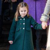 Auch wenn Prinzessin Charlotte noch etwas skeptisch schaut, dürfte sie sich in ihrem Mantel rundum wohlfühlen. Anders als ihre Mama, hat dieses Exemplar allerdings eine hübsche A-Linie.