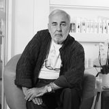 20. November 2020: Udo Walz (76 Jahre)  Udo Walz war wohl Deutschlands berühmtester Friseur -seit über 50 Jahren gingin seinem Salon auf dem Berliner Kurfürstendamm die Prominenz ein und aus. Auf dem roten Teppich war er selbst ein gern gesehener Gast,der durch zahlreicheTV-Auftritte einem breiten Publikum bekannt war. Sein EhemannCarsten Thamm-Walz bestätigte nun den Tod des Starfriseurs.Walz, der seit vielen Jahren unter einer Diabeteserkrankung litt, habe zwei Wochen zuvor einen Diabetesschock erlitten, der ihnanschließend in einKoma fallen ließ, aus dem er nicht mehr erwachte.